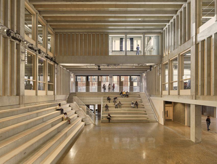 Кингстонский университет в Лондоне - Таунхаус получил премию Стирлинга 2021 года