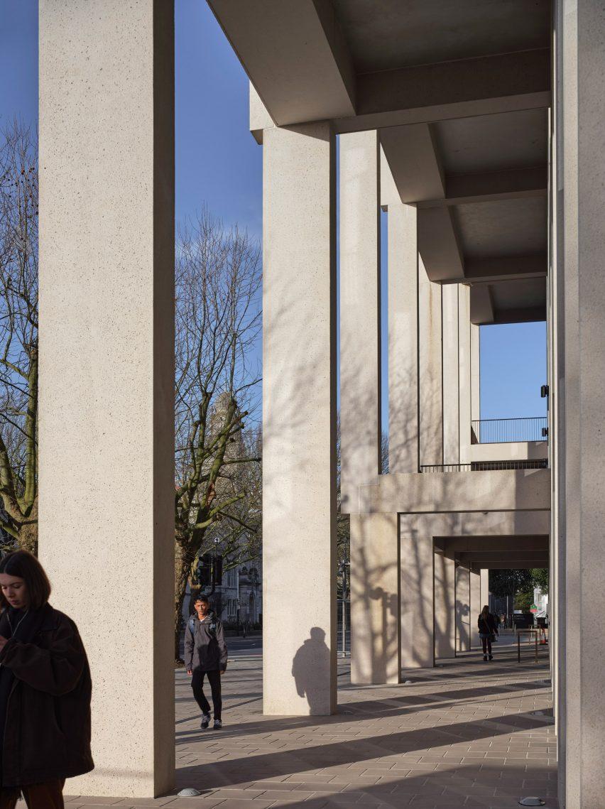 Кингстонский университет в Лондоне - Таунхаус выиграл премию Стирлинга в этом году