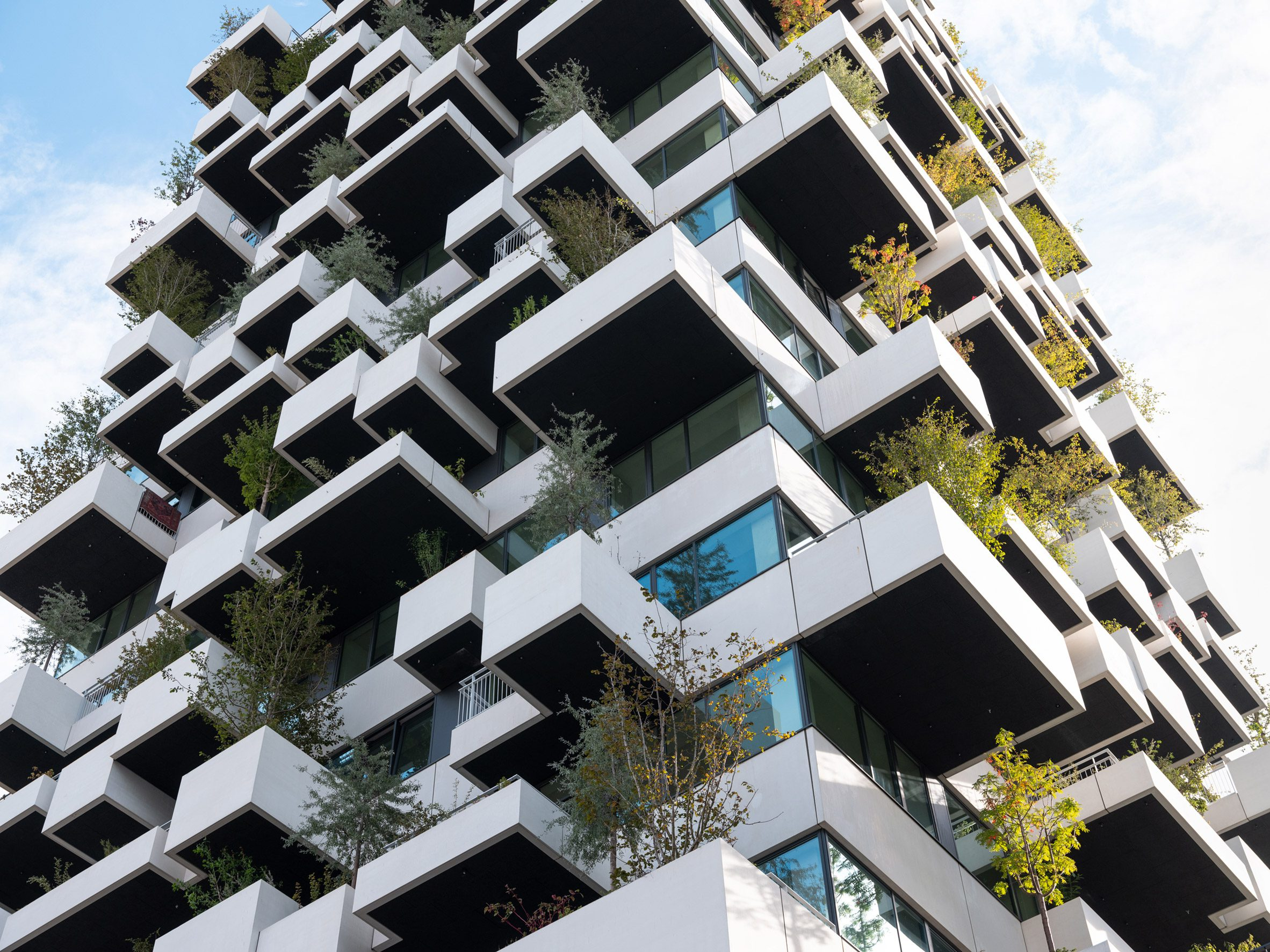 Balconies protrude from the Trudo Vertical Forest