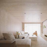 Lukstudio decks out Guangzhou apartment with Douglas fir